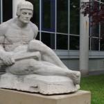 Restaurierte Figur Frieden auf dem Gelände der Falckenstein-Kaserne [Quelle: Verein der Freunde und Förderer Barbara-Denkmal e.V. Koblenz]
