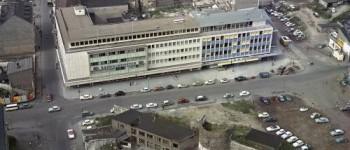 Zentralplatz mit alter Stadtmauer 1961 [Quelle: Landeshauptarchiv Koblenz]